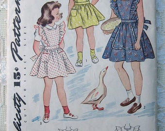 40s Girls' Dress or Pinafore. Simplicity Sewing Pattern 4636.  Size 6