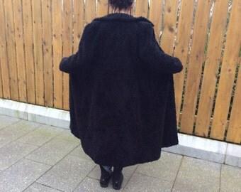 Vintage lange jas Clockhouse jaren 1980 vroege jaren 1990 fun teddybeer bont stijl voorzien van lange zwarte jas zeer draagbare vintage kostuum 1000