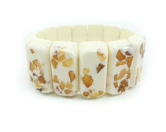 Vintage Cream Lucite Stretch Bracelet, Elastic, Amber Tone Chips