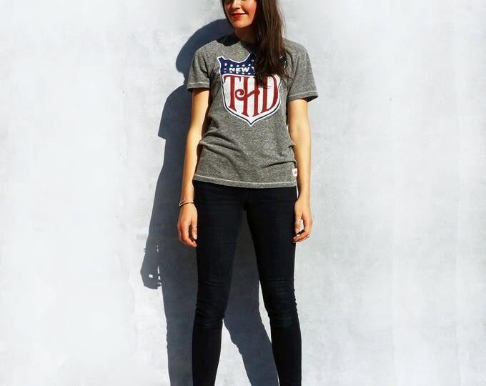 Tommy Hilfiger T-shirt, Vintage 90s T shirt, 90s Pop Culture Shirt, Slogan Tshirt, Tumblr Tshirt, American Tshirt, Womens Tshirt, Cotton Top