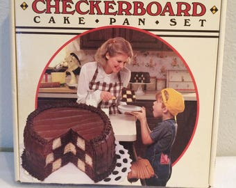 Vintage The Classic Checkerboard Cake Pan Set - Bake King