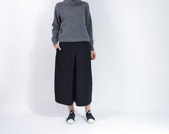 SUMMER SALE - 80s Modelle Lambswool Angora Minimalist Turtleneck Sweater / Size M/L