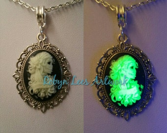 Glow in The Dark Small Green Mexican Day of The Dead Skeleton Lady Cabochon Cameo Necklace on Silver Crossed Chain. Dia de Muertos