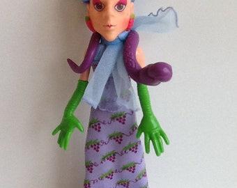 SOUR GRAPES w/ Dregs Snake Vintage Strawberry Shortcake Doll