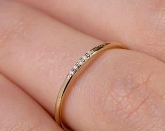 Thin Diamond Ring, Band with 5 diamonds, Diamond Band Ring, Skinny Ring, 1.5 mm Band Ring, Thin Wedding Band, Gold Stacking Ring, Thin Ring
