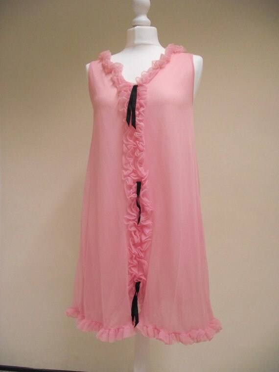 Vintage 1960s 1970s Pink Nylon Baby Doll Nightie With Ruffles