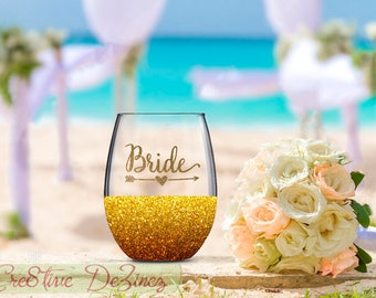 Bride Wine Glass, Bride Tribe Glass, Wedding Favor, Wedding Table Decor, Wedding Toasting Glasses, Glitter Wine Glass, Wedding Toast, Rustic