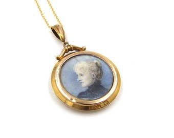 Antique 9ct Gold Locket With Portrait Miniatures | 9K Round Glass Photo Locket Necklace | Glazed Locket Pendant On A Chain