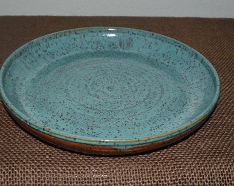 Pie plate, quiche dish, baking dish, serving plate, dinner plate, dessert dish, pottery plate