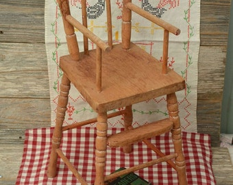VINTAGE DOLL HIGHCHAIR; Solid Wood Doll Highchair With Turned legs and Back Supports.