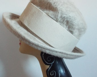 Vintage Ladies Hat 1950's Ivory Wool Brimmed Hat with Thick Felt Matching Band by Whiteley