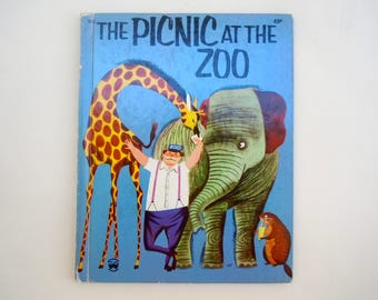Mid Century Kids Book The Picnic at the Zoo illustrated by Bernice and Lou Myers Wonder Book