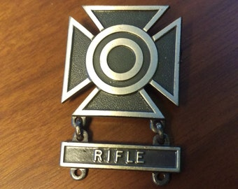 WWII Sterling US Rifle Marksman Badge