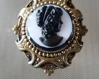 "Vintage Cameo Lady Brooch Pin 2"" x 1 3/4"""