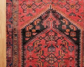 Antique Persian Shiraz Rug - circa 1940s / 4x6 / 77x39in / 99cm x 196cm