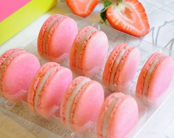 8 pieces gift box of French macarons, strawberry and white chocolate, delicate baked goods, Gourmet cookies, Gluten free Party favors