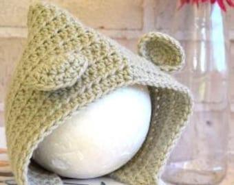 Baby bonnet, newborn bonnet, bear bonnet