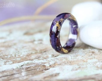 Dark purple flower ring Nature resin ring Flower Ring  Petal ring Rounded band Cocktail ring Resin Jewelry Terrarium jewelry Nature art