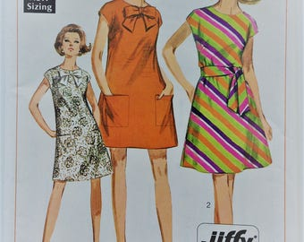 Vintage 1960's Simplicity sewing pattern 7468 - Misses' Jiffy dress in two lengths