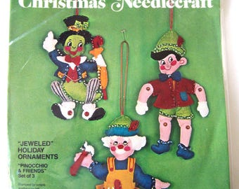Bucilla JEWELED HOLIDAY ORNAMENTS Pinocchio & Friends Kit #2826 Sequined Felt Applique Christmas Needlecraft Geppetto Jiminy Cricket