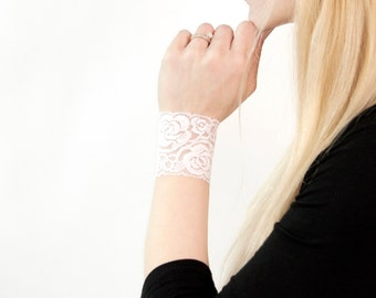 White Lace Cuff Bracelet, Wrist Cuff Bracelet, Wedding Cuffs Bride Bracelet Lace Bracelet Arm Band Wristband Wrist Tattoo Cover Up Arm Cuffs