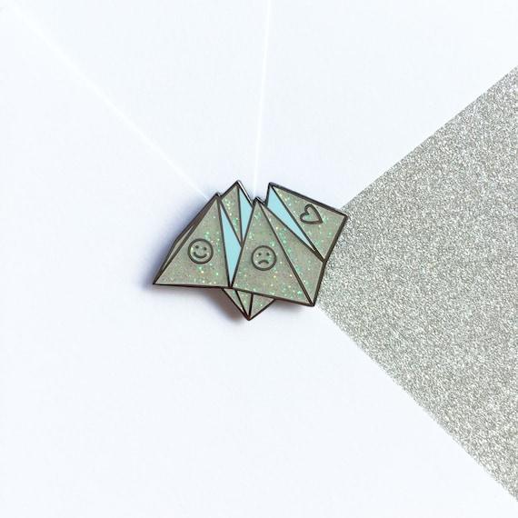 Origami Fortune Teller Enamel Pin Lapel Pin Badge - White Glitter Hard Enamel 80s/90s Retro
