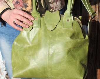 Lucy Clip Bag Apple Green Leather