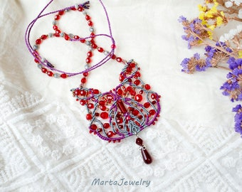 Cat necklace, beaded, micro-macrame jewelry, bohemian, boho chic, beadwork, cat lover, kitty, red purple gray, animal, unique, beaded lace
