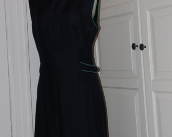 60s Linen Sheath Dress, Navy Blue, Green Trim, Half Belt, Sleeveless, Size Medium