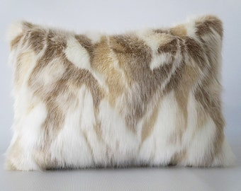 Faux fur lumbar pillow cover, faux fur fox, pillow cover fur, fur pillow cover, pillow cover faux fur, fake fur pillow, lumbar pillow cover