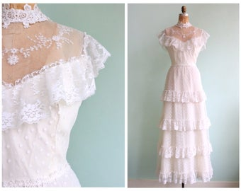 Vintage 1970's Polka Dot Tulle Lace Wedding Gown | Size Medium