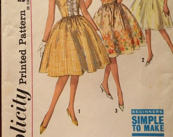 Cute Vintage Dress with Gathered Skirt and Ruffle Front----Simplicity 4817