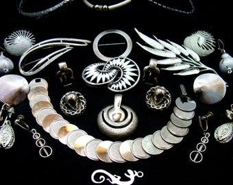 Old jewelry lot-mid century jewelry-futuristic jewelry lot-abstract jewelry-industrial jewelry-machine age jewelry-brutalist jewelry-trifari