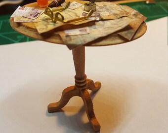 Miniatute men's table dollhouse miniatures