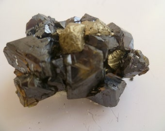 Small Brawn Bright Sphalerite with Chalcopyrite and calcite, Specimen Sphalerite, Minerals from Bulgaria,