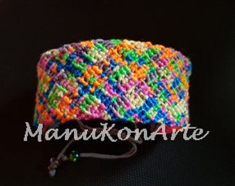 MACRAME model mosaic cuff / Macrame Bracelet Boho Style