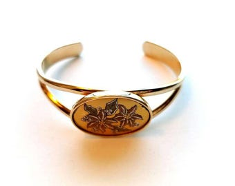 "Vintage Reed and Barton Gold Demescene ""December Pointsettas"" Cuff Bracelet"