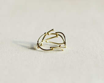 18 kt gold ring,Ring of 18 kt gold thread, ring with beads, light ring, gift for her.