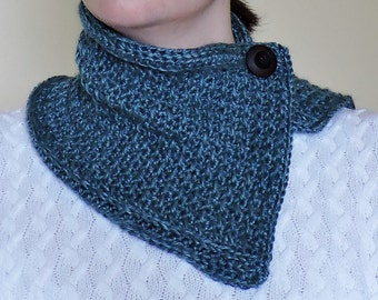 Overlapping Cowl - Scarf - Buttoned