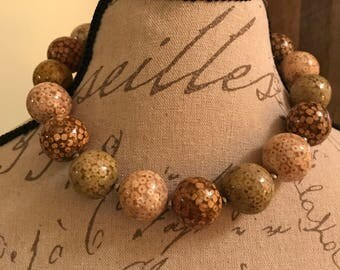 Chunky bauble necklace
