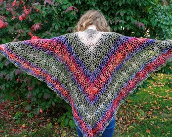 Natural Tones Triangle Pineapple Shawl