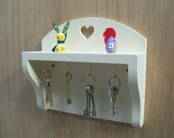 Wooden Four Hook Shaker Style Key Rack.