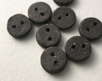 Ceramic clay round buttons: Volcan black clay handmade buttons.