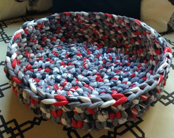 Crochet Pet Bed Basket