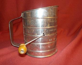 Fairgrove Measuring Sifter, Hand Crank, Wooden Knob, 3 Cups, USA
