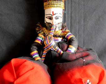 Rajasthani Puppet/Doll (black/red)