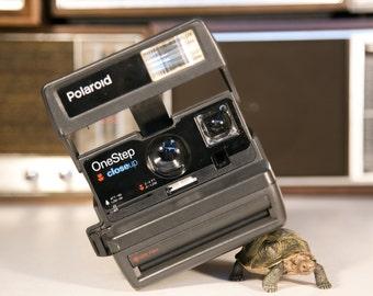 Polaroid OneStep CloseUp Instant 600 Film Camera #P118