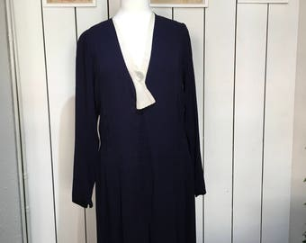 Original 1930's Navy and Cream day dress - STUNNING pleated detailing