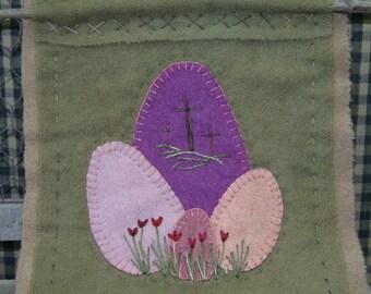 Easter Egg Hanger with 3 Crosses