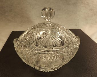 Westmorland etch bowl with lid